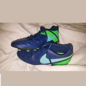 Men's Nike Tiempo Cleats Size 8